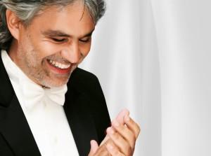 Andrea Bocelli Fundo Branco